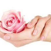 ترفند هایی برای داشتن دستی با پوست نرم و لطیف