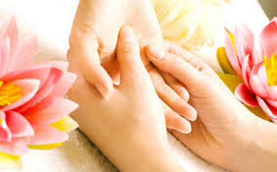 نرم و لطیف کردن پوست دست