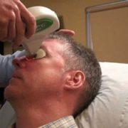 درمان پف زیر چشم با لیزر