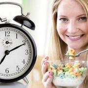تاثیر ساعت غذا خوردن در چربی سوزی